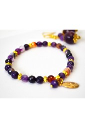NEW*****Purple colored agates Stretch Bracelet