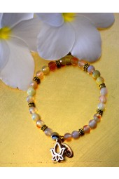 NEW*****Cream agates with Lotus Flower Charm Bracelet